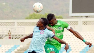 Photo of Nigerian player lands indefinite suspension for assaulting referee