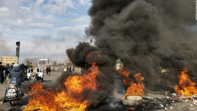 Photo of 12 dead, hundreds wounded as protesters clash with Iraq security forces