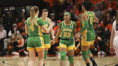 Photo of Oregon moves up to No. 3 in AP women's basketball poll