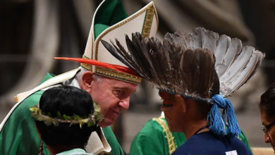 Photo of Pope Francis dismisses proposal to ordain married men in Amazon