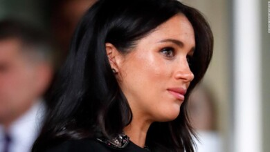 Photo of Meghan, Duchess of Sussex, tries to stop her friends from being named in lawsuit