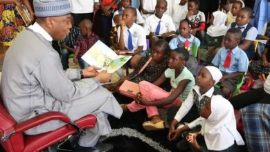 Photo of Poor Reading Culture among Nigerian Youth. Who is to be Blamed?