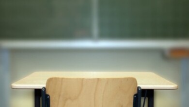 Photo of Teacher fined $2,000 for quitting over in-person school reopenings
