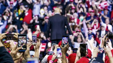 Photo of The Trump Campaign's Mobile App Is Collecting Massive Amounts of Voter Data