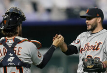 Photo of Tigers use big first inning to edge Royals 4-3