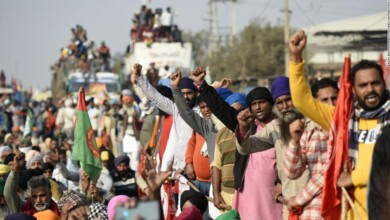 Photo of Tens of thousands of farmers swarm India's capital to protest deregulation rules