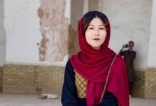 Photo of Afghanistan's first female tour guide is determined not to be the last