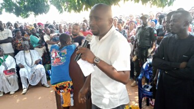 Photo of Hembe Visits Victims of Military Attack in Konshisha as Benue State Minority Whip Sets Check Point Ablaze